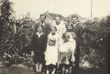 1932, Foy family siblings, Jack, Edward, Vincent top right, Frank, Doreen, Mary, Shirley, Jimmy