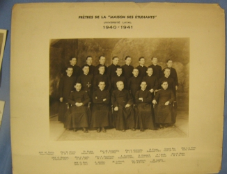 1940-41 Maison des etudiants studying Canon Law