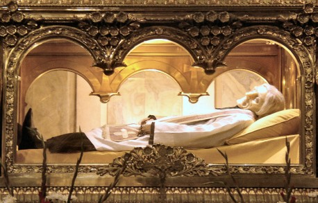 St. Jean Marie Vianney found to be incorrupt, wearing wax mask